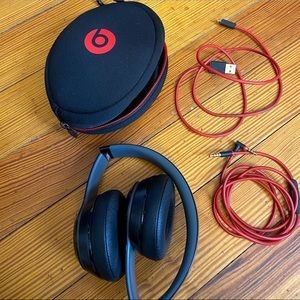 Other - BRAND NEW Solo beats 2 wireless headphones